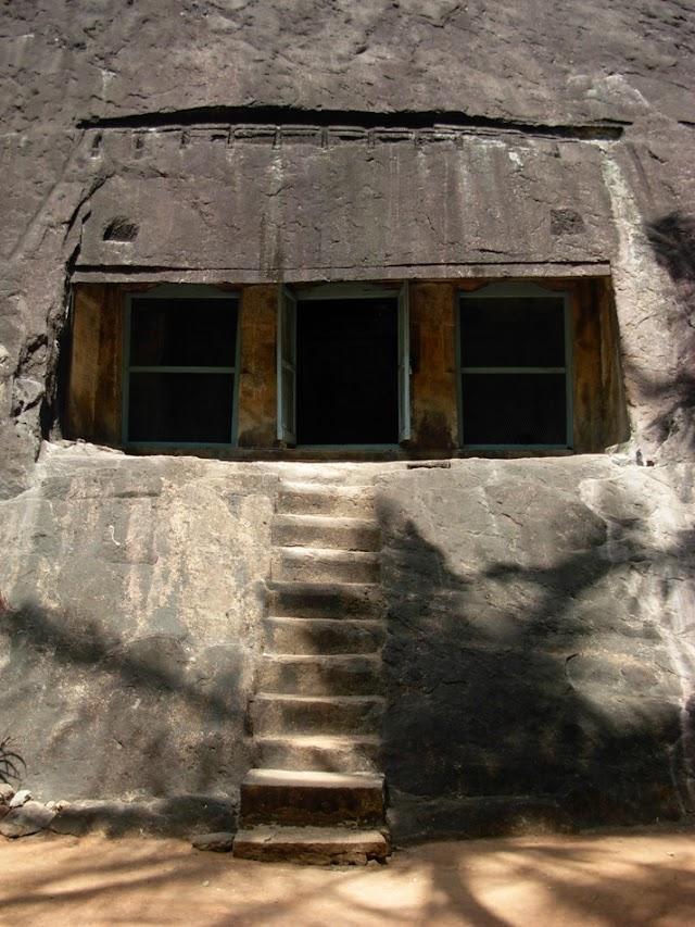Thirunanthikarai Cave Temple