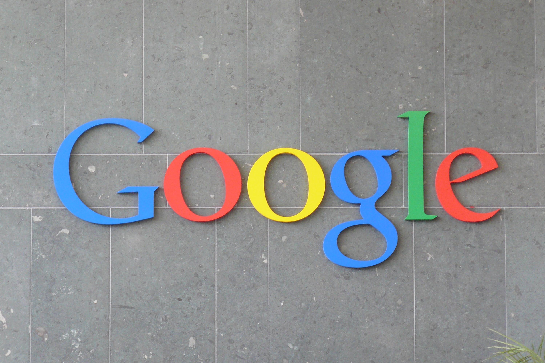 logo Google en muro