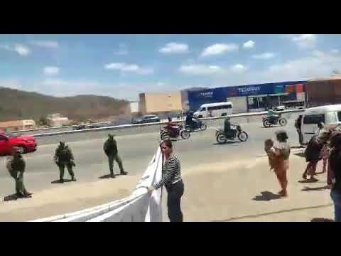 Ocupantes do Residencial Cruzeiro interditaram PE-160, houve confronto com policiais e manifestantes detidos