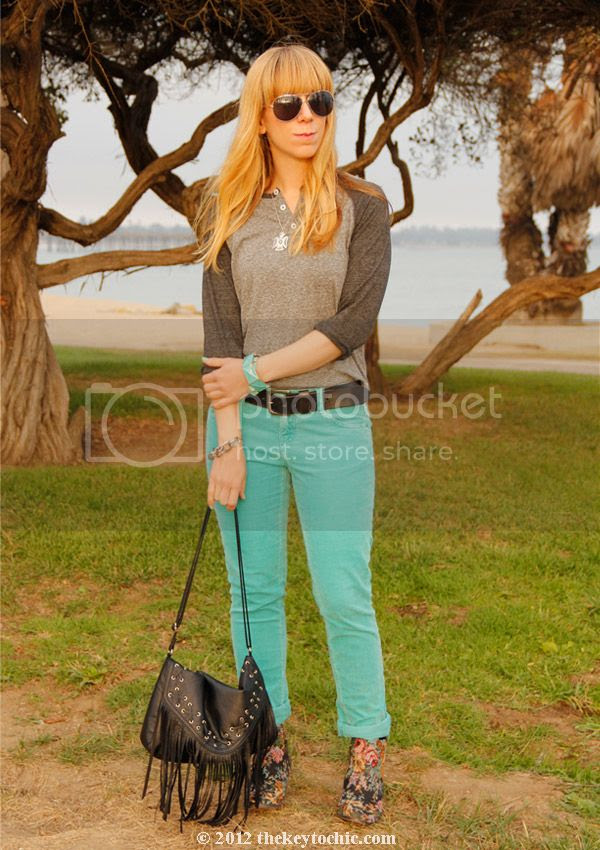 Mossimo corduroy pants, Topshop Adios tapestry boots, fringe handbag, Los Angeles fashion blogger