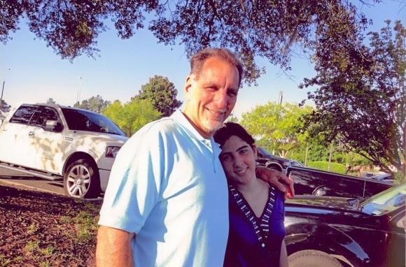 René González con su hija menor, Ivette. Foto: Cortesía de la familia