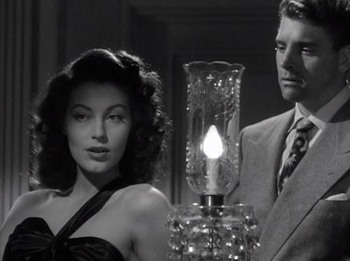 Ava Gardner y Burt Lancaster en 'Los asesinos' (1946)