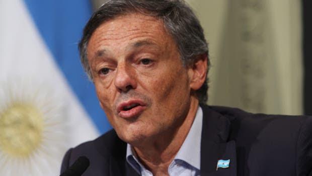 El ministro de producción, Francisco Cabrera