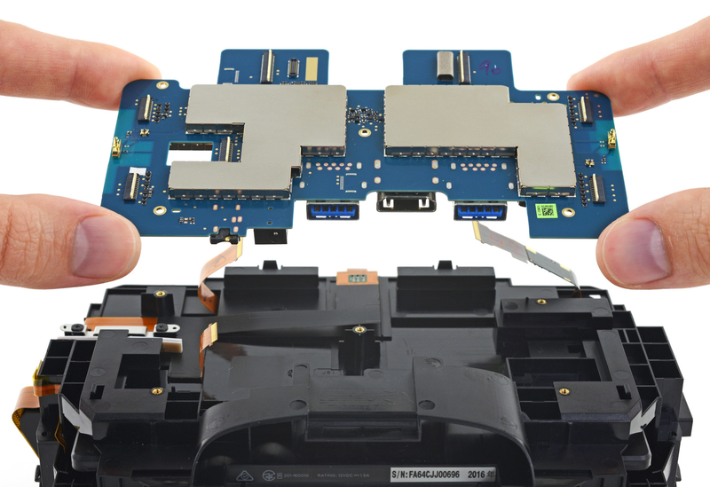 Las tripas del visor HTC Vive revelan una fascinante y compleja maquinaria de ingeniería