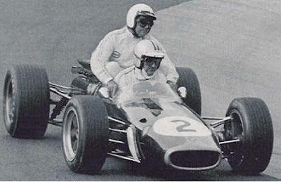 GP da Alemanha, anos 60: o neozelandês Denis Hulme e o australiano Jack Brabham