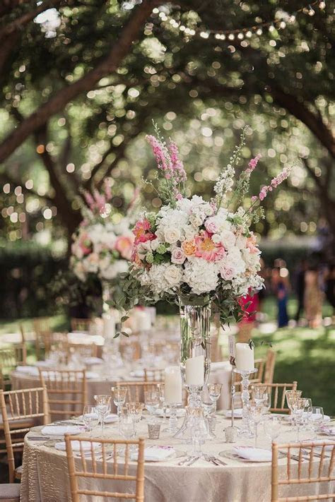 Romantic Dallas Wedding with Garden Glam   MODwedding