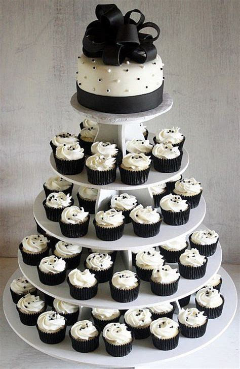 Black and White Cupcake of Inexpensive Wedding   Wedding