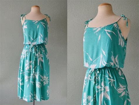 70's Turquoise Teal Blue White Floral Hibiscus Tropical