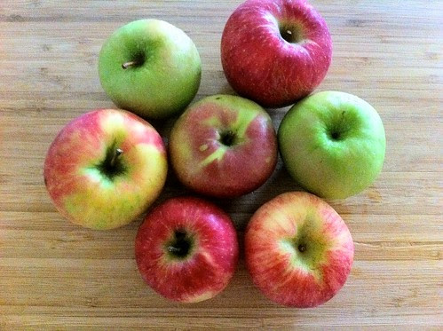 Fresh Honey Crisp and Granny Smith Apples