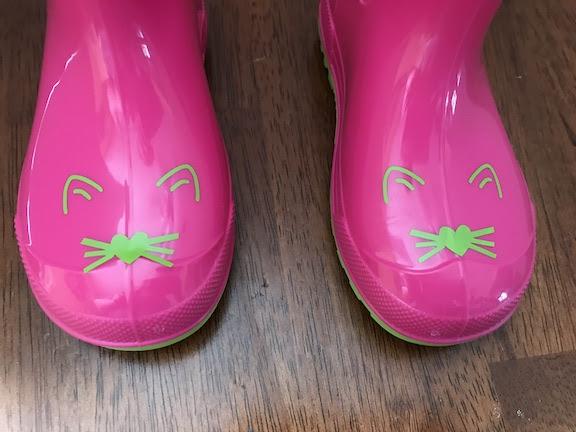How to make Fun Pink Kitty Rain Boots using a Cricut