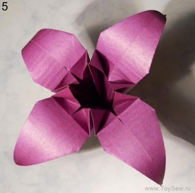 лилия из бумаги