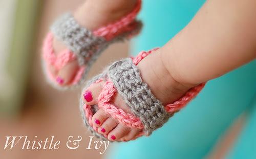 Crochetbabyflipflopsandalspatternwm_medium