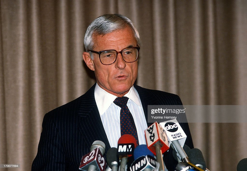 img GRANT TINKER, American Television Executive