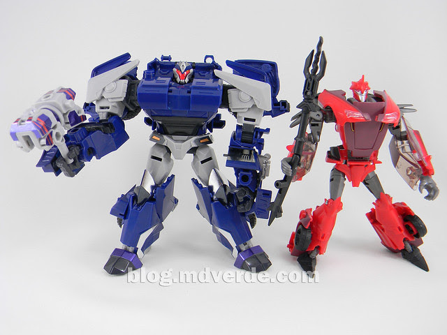 Transformers Breakdown Voyager - Prime Arms Micron - modo robot vs Knock Out