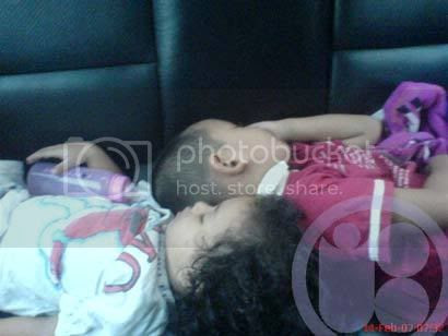 Photobucket - Nuqman dan Pica Tidur