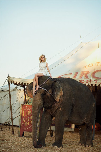 Reese-Witherspoon-Dolce-Gabbana-Water-for-Elephants-Vogue-May-2011