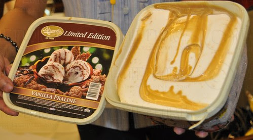 vanilla praline ice cream