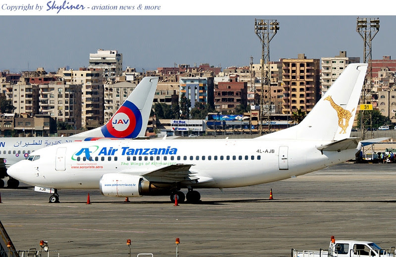 AeroVista's Boeing 737-500 '4L-AJB' in Cairo