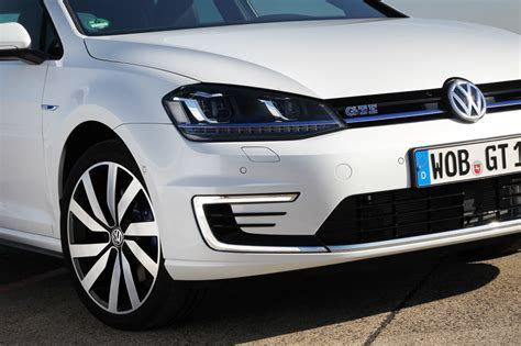 Driving the Volkswagen Golf GTE: Forbidden fruit video review