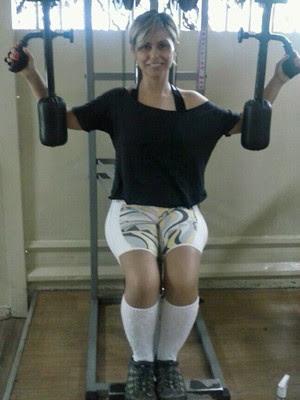 Cristiane adotou uma rotina de exercícios e dieta saudável (Foto: Arquivo pessoal/Cristiane Dias da Silveira)