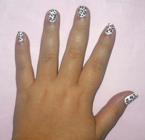 Pastel leopard nail art