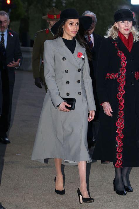 Meghan Markle: abito low cost e borsa Gucci   Vogue.it