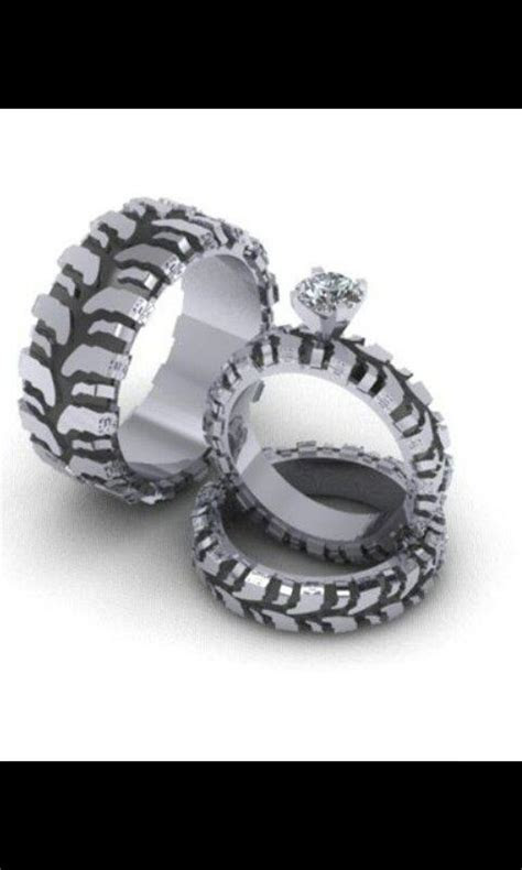 Mud tire tread wedding ring set:)   Wedding ideas