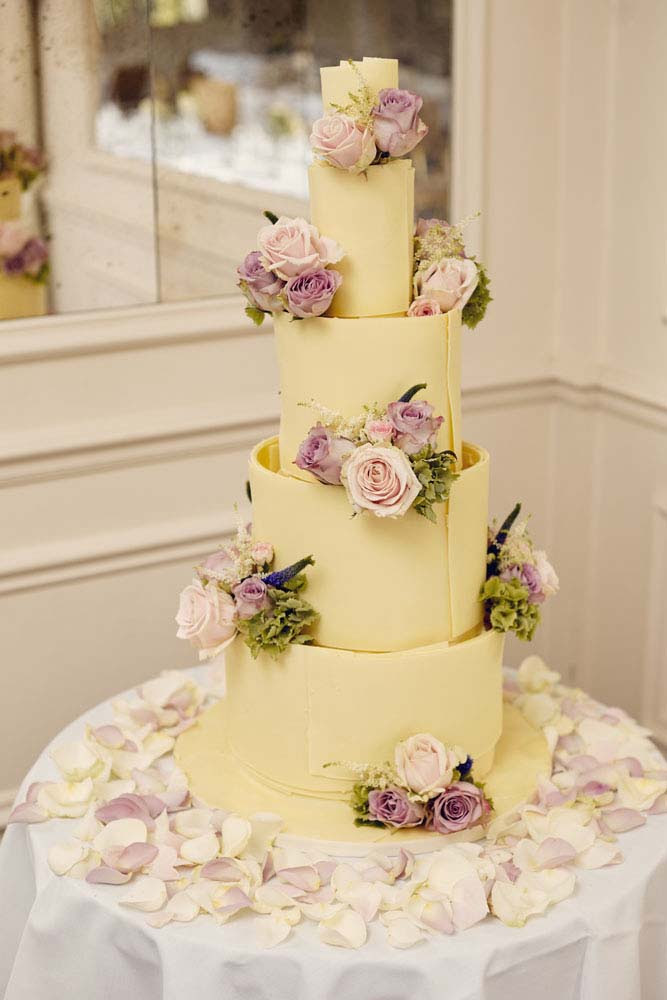 Amazing wedding cake at Stoke-by-Nayland Golf Club - www.helloromance.co.uk