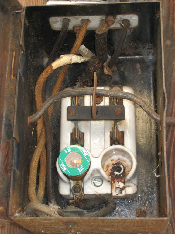 a penny in fuse box image 4