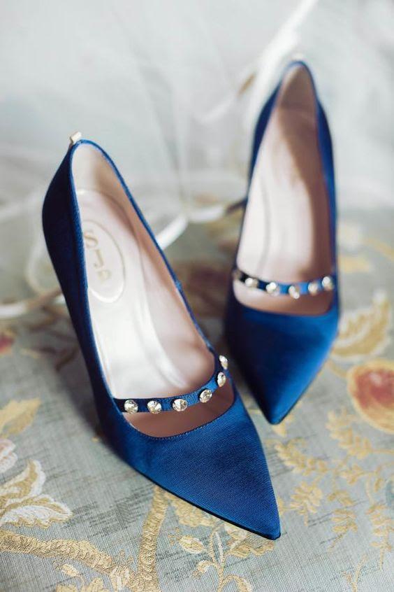 indigo-Hochzeits-Schuhe mit Strass-Reihe, chic und raffiniert