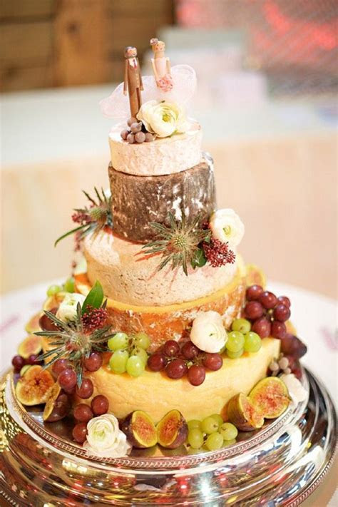 Rustic Wedding Cakes Tend: Cheese Wedding Cakes   Deer