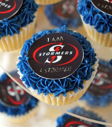 Delana's Cakes: Super Rugby Stormers cupcakes