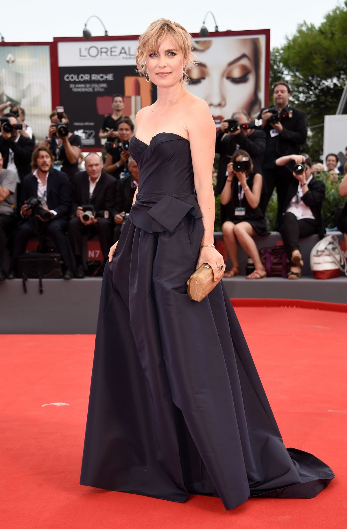 http://www.hawtcelebs.com/wp-content/uploads/2015/09/radha-mitchell-at-everest-premiere-and-72nd-venice-film-festival-opening-ceremony_8.jpg