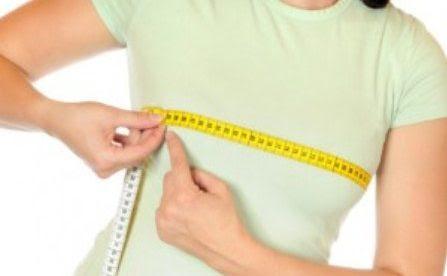العلاقة الزوجية: هل تتأثر بحجم الثدي؟