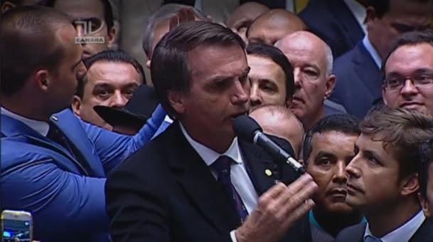 Jair Bolsonaro ao votar na Câmara (Crédito: reprodução TV Câmara)