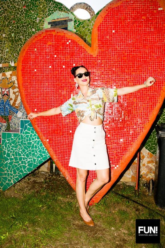 Katy Perry en la casa del pintor José Fúster en Jaimanitas, La Habana. Foto: Cuenta de Instagram de la cantante