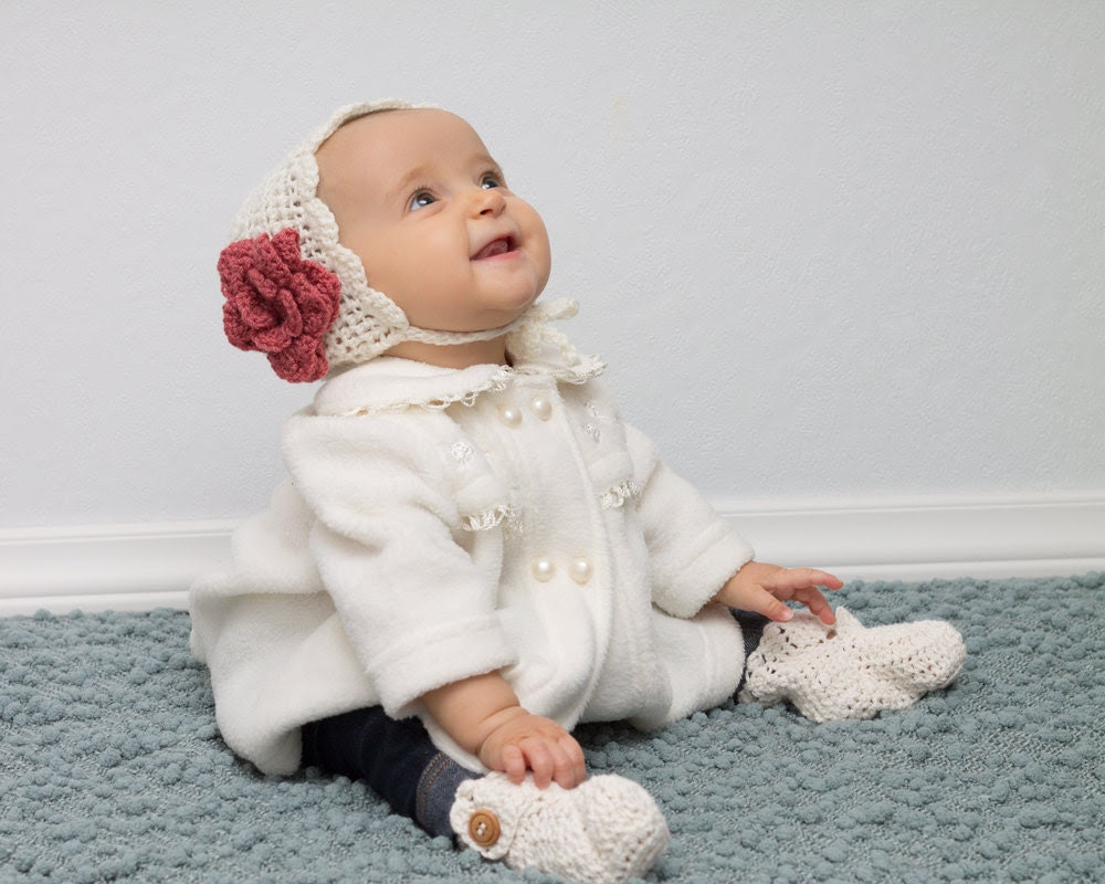 Baby Girl Vintage Style Bonnet with Flower