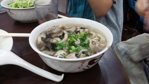 キノコの入った湯麺