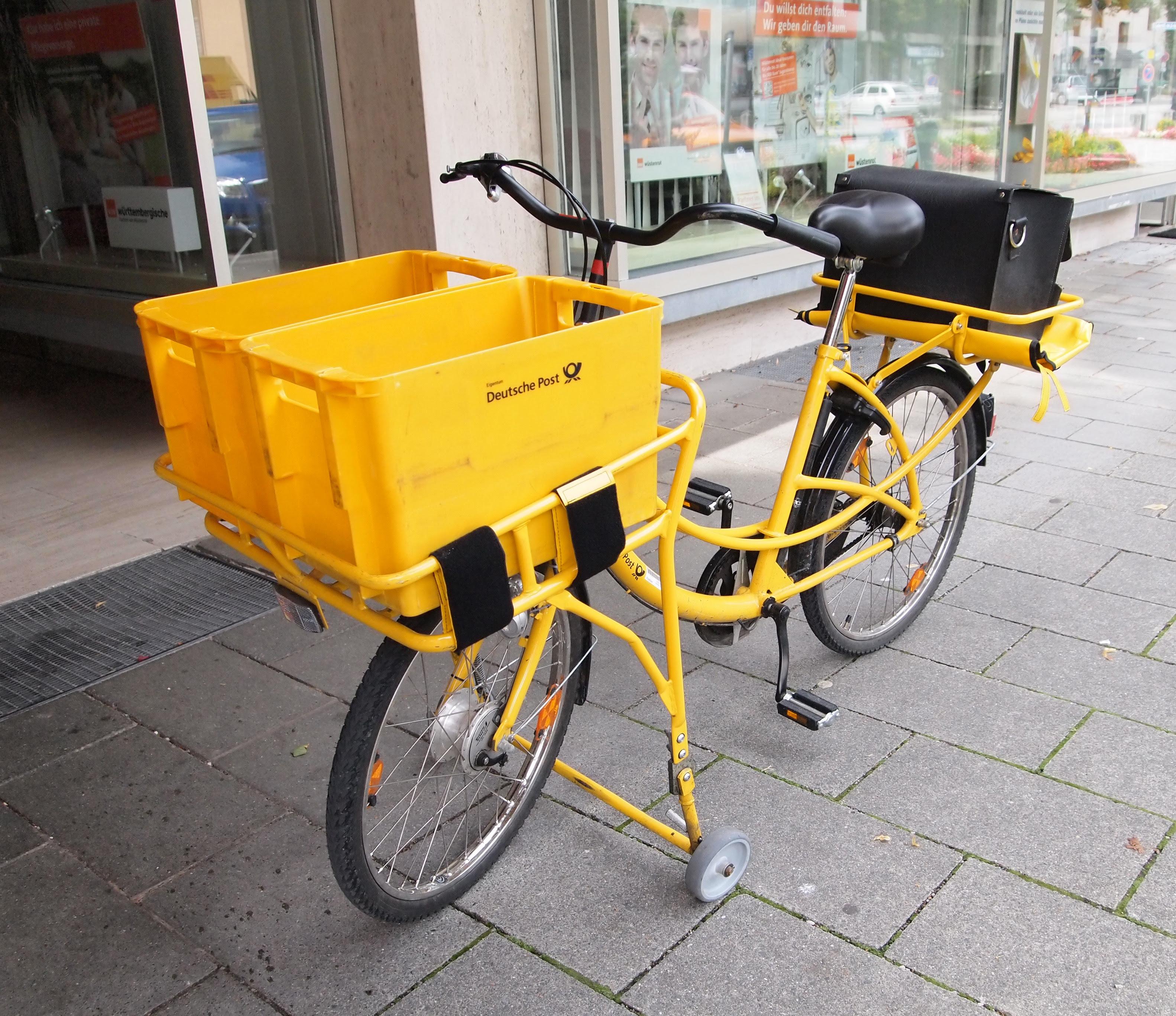 Description Deutsche Post bicycle.jpg
