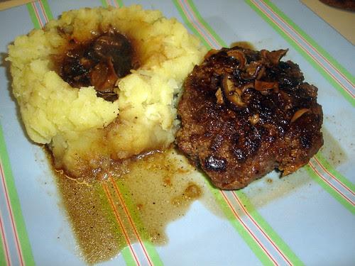 Salisbury Steak & Mashed Potatoes