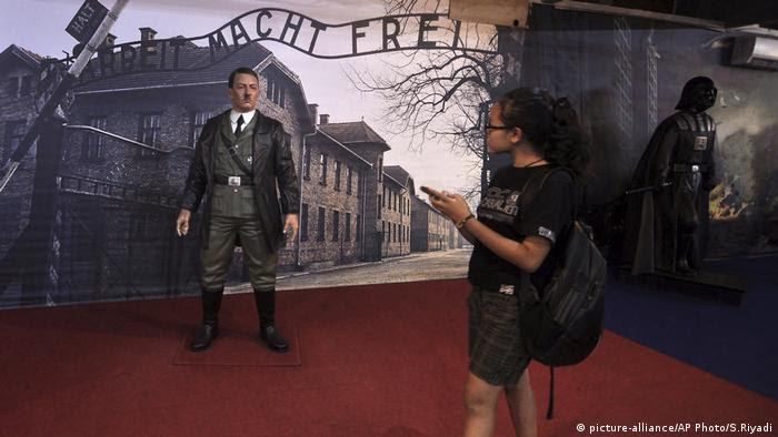 Indonesia Nazi Display Adolf Hitler Wachsfigur (picture-alliance/AP Photo/S.Riyadi)