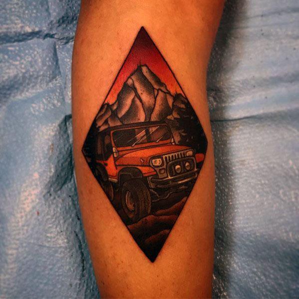 Tatuagens masculinas pequenas frescas do jipe