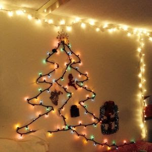How to Make Your Dorm Room Cozy: Christmas Decorations Edition