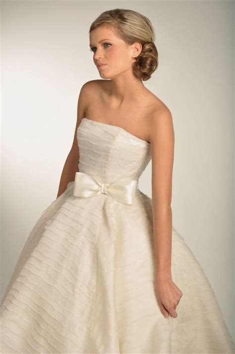 Bow Beautiful for Brides   OneWed