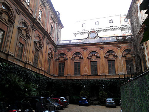 palais quatre fontaines.jpg