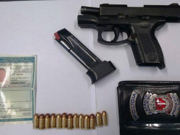Jamil portava arma de fogo e carteira funcional de policial (Foto: Divulgação / Polícia Civil)