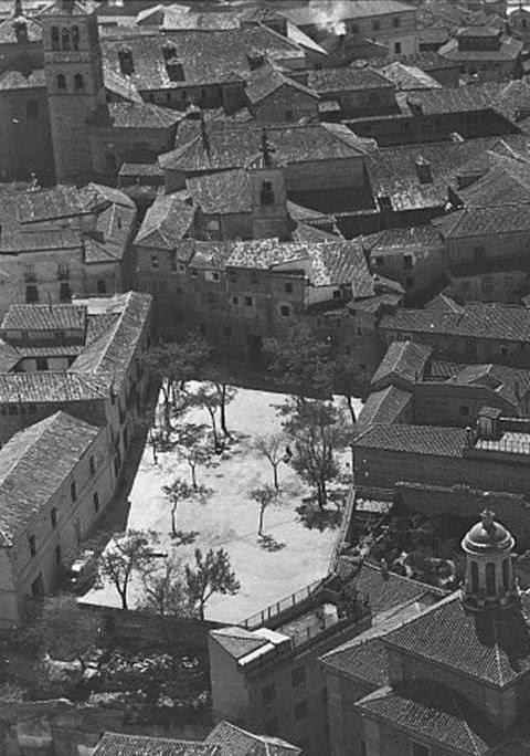 Vista aérea de la Plaza de Padilla a inicios del siglo XX