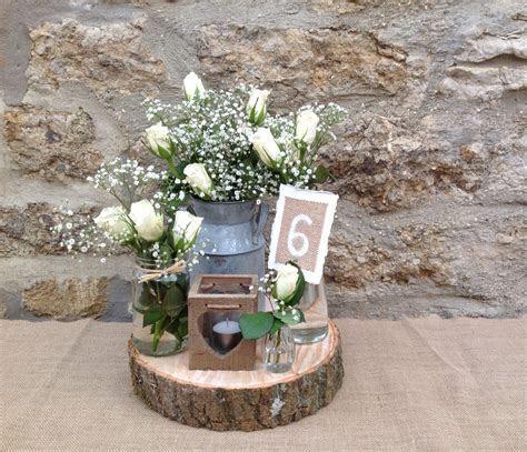 Rustic wedding decorations, wood slices, tea light holders