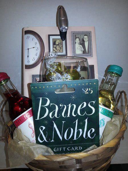 Book Reader Gift Basket   Dylan's Unique Gifts & Weddings