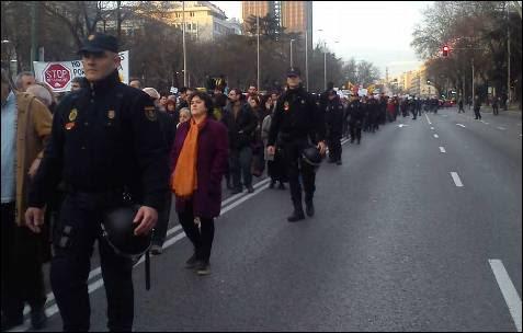 La marcha en Madrid llega desde Cibeles hasta la plaza de Colón. -AB